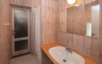Bruserum ved badeværelse 2